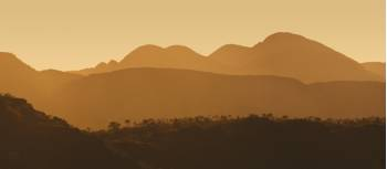 Sunrise from Glen Helen on the Larapinta Trail | Peter Walton
